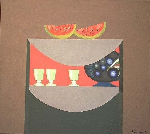 Gestell mit Gläsern, Melone und Blume