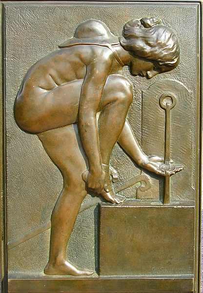 Bronzeskulptur einer Wanderin aus Privatbesitz! Hier klicken für vergrößerte Ansicht!