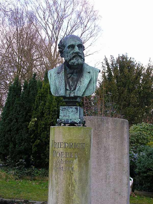 Grabmal Roeber auf dem Düsseldorfer Nordfriedhof!